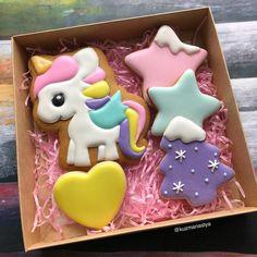 Christmas unicorn cookies