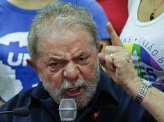 Lula, durante a coletiva de imprensa que deu em São Paulo ao terminar sua declaração ante a policial.