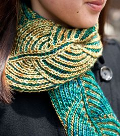 hosta by Nancy Marchant - brioche stitch in two colors