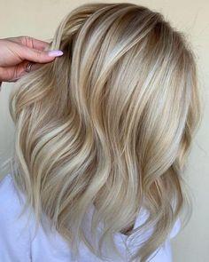 Copper Blonde Hair Color, Light Blonde Balayage, Pale Blonde Hair, Blonde Tips, Golden Blonde Hair, Platinum Blonde Hair, Hair Color Balayage, Bleach Blonde, Blonde Hair With Copper Lowlights