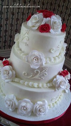 Wedding Cake by Michelle's HOMEMADE Sweets