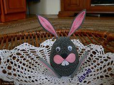 Easter Bunny Easter egg made Quilling Work, Paper Quilling, Quilling Ideas, Easter Bunny, Easter Eggs, Felt Christmas Ornaments, Crochet Hats, Spring, Diy