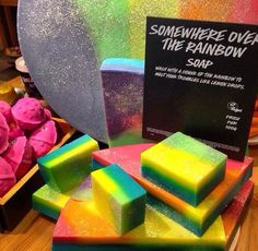 Find images and videos about rainbow, lush and soap on We Heart It - the app to get lost in what you love. Lush Cosmetics, Handmade Cosmetics, Beauty Care, Diy Beauty, Beauty Tips, Beauty Hacks, Lush Soap, Lush Bath Bombs, Perfume