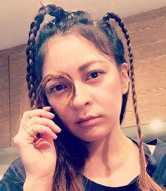 岩堀せりのインスタグラム(Instagram)写真 - 「娘さんのテスト勉強を見ながら髪で遊びだす母親🤘」2月27日 20時47分