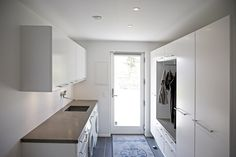 Drop Zone, Mudroom, Laundry Room, Entrance, Diy And Crafts, Sweet Home, Houses, Interior Design, Future