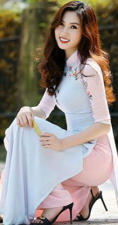 Best 12 fantasy Art Now Ao Dai, Vietnamese Clothing, Vietnamese Dress, Vietnamese Traditional Dress, Traditional Dresses, Pretty Asian, Beautiful Asian Women, Moda China, Asian Hotties