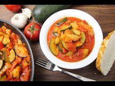 (3) Cukkinis lecsó recept - YouTube Ratatouille, Main Meals, Bon Appetit, Thai Red Curry, Cantaloupe, Shrimp, Meat, Fruit, Ethnic Recipes