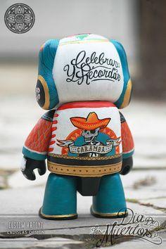 designer vinyl toys customized by Ladislas Dia de los muertos