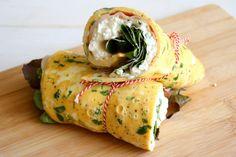 Een heerlijk recept van Dominique van ilovesundays.nl: Egg wrap met Hüttenkäse en kipfilet!