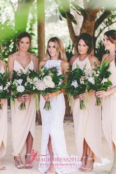 2016 Boho Beach Chiffon Bridesmaid Dresses A-Line Deep V-Neck Split Ruffled Party Prom Gowns Ankle-Length Vintage Maid of Honor Dress Online with $68.07/Piece on Magicdress2011's Store | DHgate.com