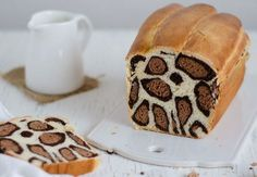 Vanilla and cocoa leopard milk bread. Such fun bread recipes! Yummy Treats, Sweet Treats, Yummy Food, Cake Zebré, Love Food, Nutella, Sweet Tooth, Food Porn, Dessert Recipes