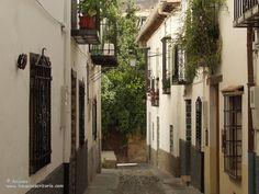 Calles de Albaizin, Granada, España.
