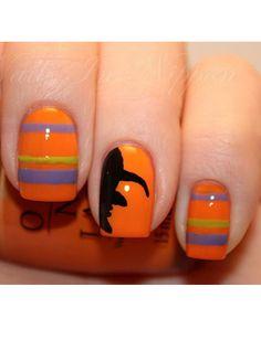 Frighteningly Cute Nail Art Designs for Halloween Nail Art Orange, Orange Nails, Cute Halloween Nails, Halloween Nail Designs, Trendy Halloween, Halloween 2013, Halloween Witches, Halloween Images, Halloween Horror