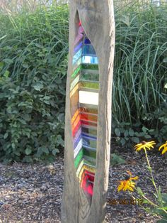 driftwood and stained glass garden sculpture by Louise Durham.Beautiful,and a great project for those bargain pieces of stained glass! Mosaic Art, Mosaic Glass, Fused Glass, Stained Glass Projects, Stained Glass Art, Someday Over The Rainbow, L'art Du Vitrail, Driftwood Art, Driftwood Sculpture