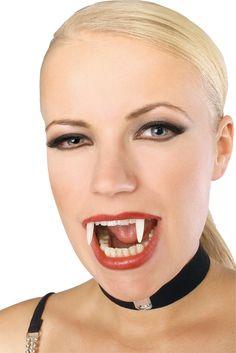 Deantadura vampiro fosforescente: Esta dentadura de vampiro brilla en la…