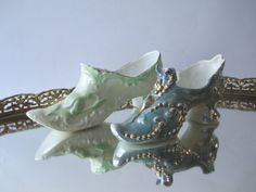 Pretty Pair of Vintage Porcelain Shoes by jenscloset on Etsy, $16.50