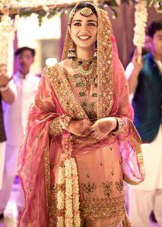 Pakistani Fashion Party Wear, Pakistani Wedding Outfits, Pakistani Wedding Dresses, Indian Wedding Outfits, Muslim Fashion, Pakistani Gharara, Pakistani Mehndi, Walima, Pakistani Girl