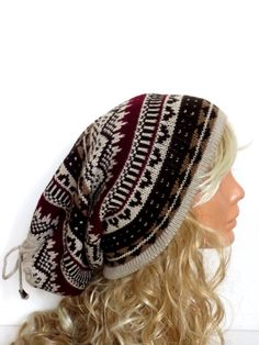 Hat! Love this hat! Perfect for girls who have curly hair and don't wear hats because they're tight and mess up your hair!!! #2014 #hat #curlyhair #perfect #knit