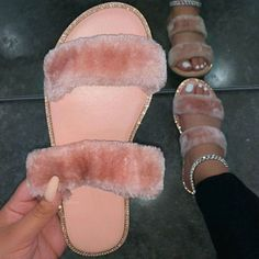 Fluffy Shoes, Fluffy Sandals, Cute Slides, Toe Length, Swag Shoes, Women's Shoes, Aesthetic Shoes, Fresh Shoes, Hype Shoes