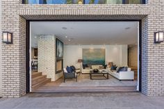 Open Plan - See Kendall Jenner's New L.A. Pad She Bought From John Krasinski And Emily Blunt - Photos