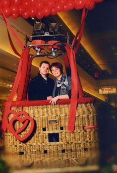 Das Valentinstags - Fotoshooting im Einkaufscenter von Bautzen zu unserem 3. Jahrestag, war ein schöner Moment.  Eine richtige Ballonfahrt ist unser Traum und wir freuen uns schon jetzt auf die gemeinsame Fahrt Richtung Wolke 7!
