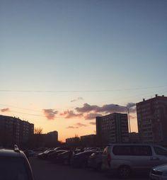 Мыслями уже в поезде  . . #моменты_акувью #vsco #vscocam #vscocamphotos #chelyabinsk #chelly #chelyabinskfoto #chelyabinskphoto #evening #инстаграмнедели #россия #вечер #весна #челябинск #закат #sunset by dashazemly
