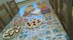 Scones and other yummy treats No Bake Treats, Yummy Treats, Scones, Cookies, Baking, Desserts, Food, Biscuits, Bread Making