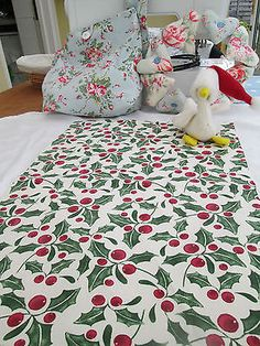 BN Very Festive Laura Ashley Cotton Duck Christmas Remnant In Holly