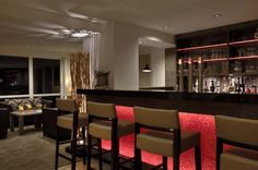 Hotelbar mit Panorma Aussicht Modern, Conference Room, Table, Furniture, Home Decor, Environment, Natural Garden, Cottage Chic, Homemade Home Decor