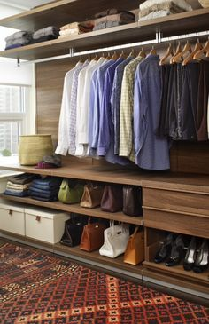 Walk In Closet Ideas - Seeking some fresh ideas to renovate your closet? See our gallery of leading luxury walk in closet design ideas and photos. Walk In Closet Design, Bedroom Closet Design, Master Bedroom Closet, Wardrobe Design, Closet Designs, Design Room, Walking Closet, Wardrobe Closet, Closet Space