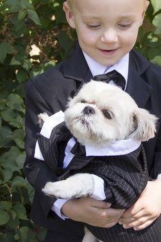 Need wedding ideas? Have two ring bearers: a two-legged one and four-legged one for double the fun. Find more tips for making your big day pet-friendly from PetSmart.