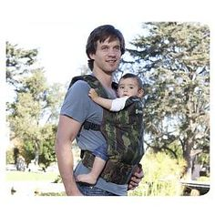 Baby carrier for men dads diaper bags 31 best ideas New Baby Boys, Baby Kids, Boba Baby Carrier, Men And Babies, Dad Diaper Bag, Baby Shoes Pattern, Baby Boy Themes, Diy Gifts For Kids, Baby Must Haves
