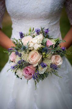 Svadobné kytice inšpirácia Purple Wedding, Chic Wedding, Wedding Tips, Our Wedding, Wedding Flowers, Wedding Photos, Quinceanera, Pale Pink, Pink Flowers
