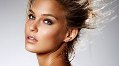 Israeli Model Bar Refaeli Wins 400k in Samsung Lawsuit | Model News | Model Diary