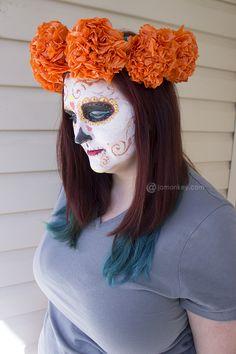 corona de flores hechas de papel para tu disfraz de catrina, diy, Paper Mexican Marigold Flower Head Piece Craft