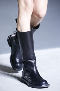 Rick Owens | Spring 2016 Ready-to-Wear | 67 Black flat boots