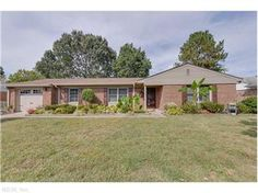 Home for Sale in Virginia Beach, Virginia -  5666 Pin Oak Ct - http://www.realtor.com/realestateandhomes-detail/5666-Pin-Oak-Ct_Virginia-Beach_VA_23464_M60802-66155 - $259,900