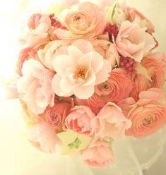 ブーケ ラウンド バラ「シルエット」とラナンキュラス : 一会 ウエディングの花