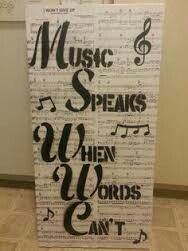 Best Home Studio Music Diy Piano Room IdeasBest Home Studio Music Diy Piano Room Ideas diy music homeEasy to make romantic sheet music decoration projects - DIY Vintage Decor Ideas - Amz DegoEasy Diy Vintage, Vintage Decor, Vintage Ideas, Vintage Pink, Piano Design, Sheet Music Crafts, Sheet Music Decor, Music Sheets, Music Bedroom