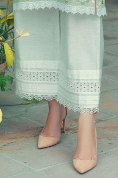 Silk Kurti Designs, Salwar Designs, Pakistani Fashion Party Wear, Pakistani Dress Design, Sleeves Designs For Dresses, Dress Neck Designs, Velvet Suit Design, Embroidery Suits Design, Fashion Pants