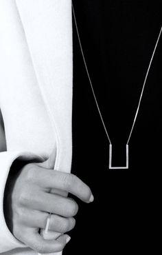 Square Necklace   Square Ring, minimalist geometric jewellery // The Boyscouts Schmuck im Wert von mindestens   g e s c h e n k t  !! http://Silandu.de besuchen und Gutscheincode eingeben: HTTKQJNQ-2016