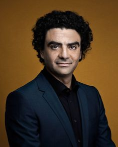 Rolando Villazón Mauleón (1972) is a French/Mexican tenor. He became a French citizen. He came to international attention in 1999 when he won 2nd prize in Plácido Domingo's Operalia competition (losing to Bulgarian bass Orlin Anastassov), as well as the first Zarzuela prize. The same year he sang for the first time in Italy as des Grieux in Manon at the Teatro Carlo Felice in Genoa. Over the years he has presented many of his best roles there, among them José in Carmen and des Grieux in…