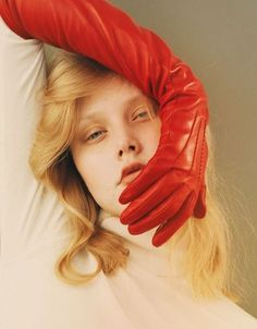 Color Inspiration Red Trend Council Color Inspiration Red Trend Council This… – fashion editorial photography Editorial Photography, Portrait Photography, Fashion Photography, Fashion Poses, Fashion Shoot, Portrait Inspiration, Color Inspiration, Beauty Editorial, Editorial Fashion