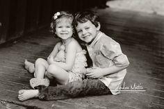 Love this sweet sibling pose