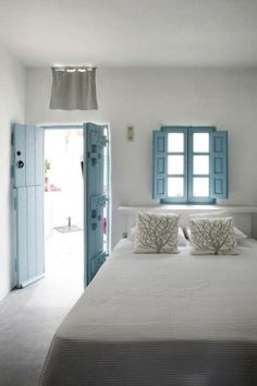 white coastal bedrooms | White beach bedroom#light#window