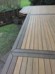 This second story deck replacement in Lake Oswego has Trex Havana Gold decking with a Spiced rum border and a black Trex Signature aluminum railing. Deck Patterns, Deck Framing, Deck Flooring, Deck Colors, Composite Decking, Trex Decking, Composite Deck Boards, Trex Railing, Deck Pictures