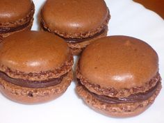 Recette macaron au chocolat - Foods and Drinks - # Homemade Chocolate, Chocolate Recipes, Chocolate Macaroons, French Patisserie, Thermomix Desserts, Pasta, Clean Eating Snacks, Cookie Recipes, Easy Meals