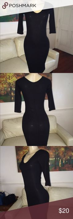 Gorgeous H&M body con midi dress This beautiful piece is a body con by H&M very sexy beautiful and classy quarter length dress this perfection is classy and perfect for summer work or play H&M Dresses Midi