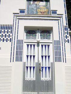 Art Deco door of second Villa Wagner - Vienna, Austria Entrance Doors, Doorway, Barn Doors, Art Nouveau Architecture, Architecture Details, Vienna Secession, Art Deco Door, Bath And Beyond Coupon, Windows And Doors
