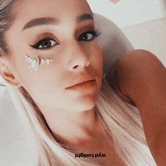 Find images and videos about ariana grande, ariana and arianagrande on We Heart It - the app to get lost in what you love. Cat Valentine, Megan Fox Tumblr, Lady Gaga, Ariana Grande Wallpapers, Adriana Grande, Ariana Grande Pictures, Dangerous Woman, Poses, American Singers